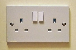 320px-Uk_13a_double_socket