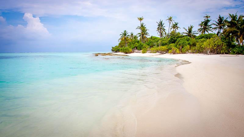 A typical Maldivian beach
